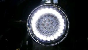 24 White LEDs illuminate as Driving Running Light